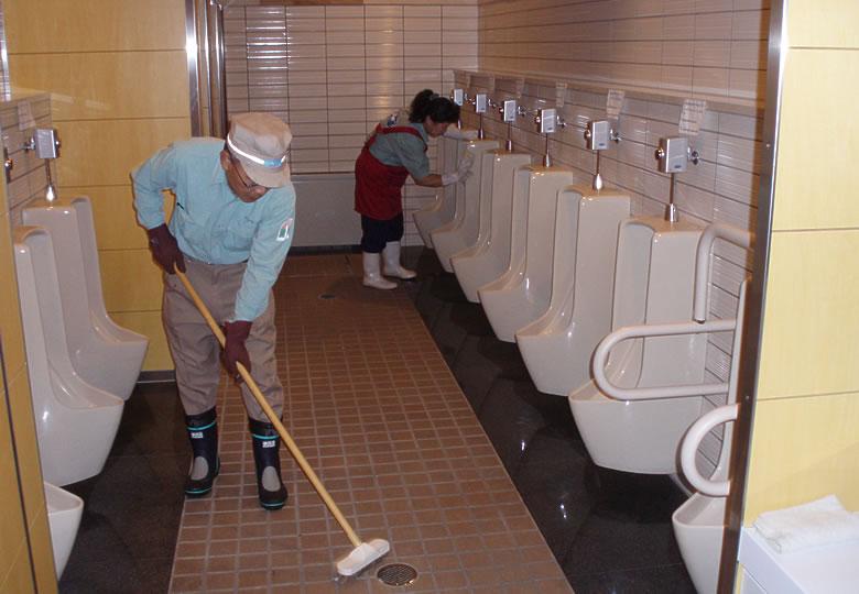 Maintaining and managing public toilets[Noboribetsu]