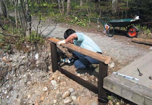 Replacing a path railing[Kamikochi]